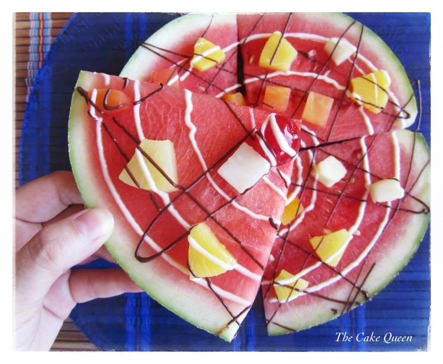 Pizza de frutas, un trocito una forma muy divertida de presentar a la fruta