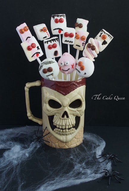 Ideas para Halloween con mini lacasitos: marshmallow con mini lacasitos, especial para Halloween