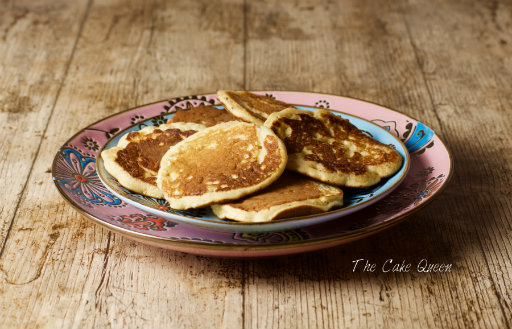 Mini pancakes de semillas de amapola y mermelada de naranja amarga