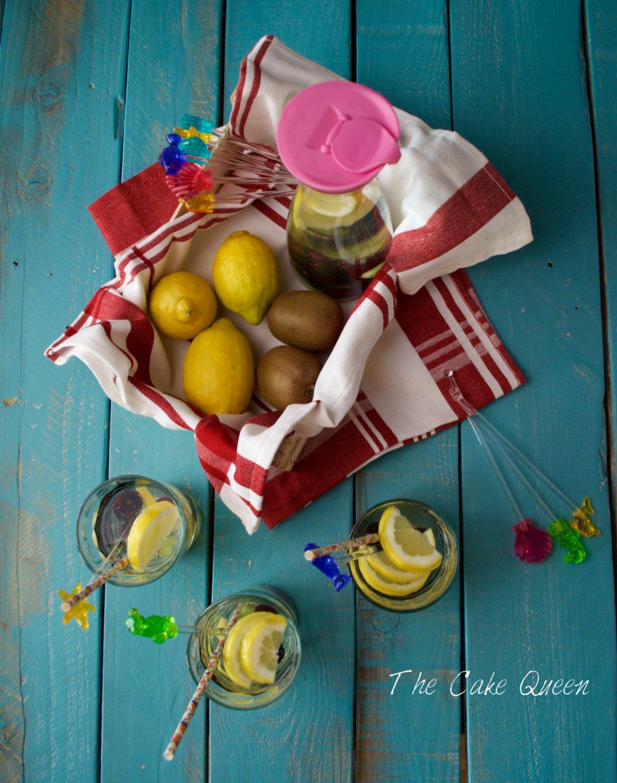 Limonada con frutas frescas