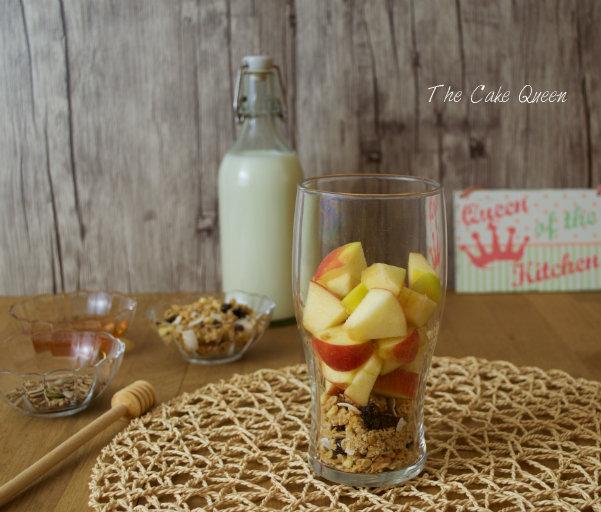 Muesli frutal con manzana, un desayuno ultraligero