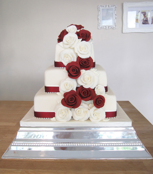 Asian Wedding Cakes   The Cakery Leamington Spa Wedding Cake with Deep Red Roses