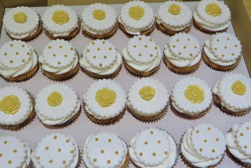 50th wedding anniversary cupcakes to match cake