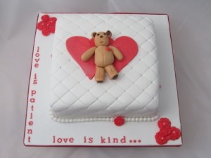Cushion valentine cake