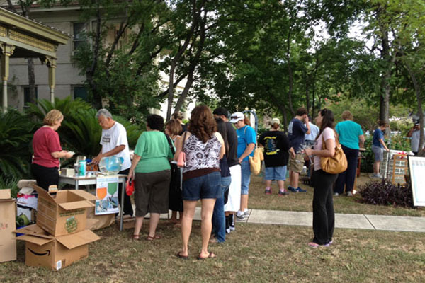 Second Annual Clutter for Cannoli yard sale drew crowds eager to snatch up bargains