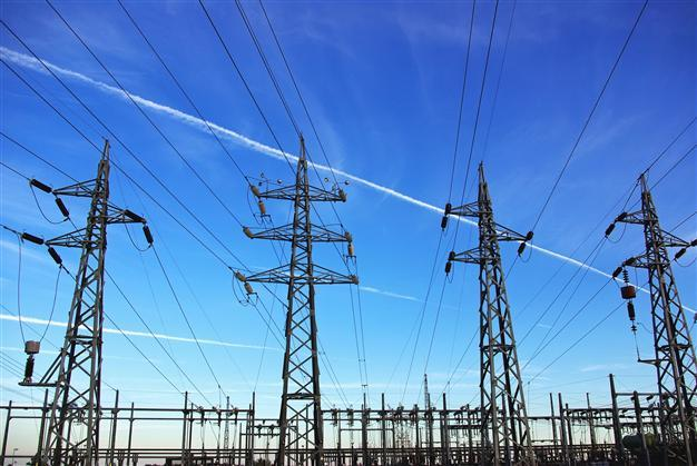 Panel concludes there are too many unknown variables to decide impact of deregulating electric industry in Florida