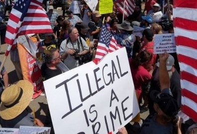 Florida lawmakers move closer to adopting a ban on sanctuary cities