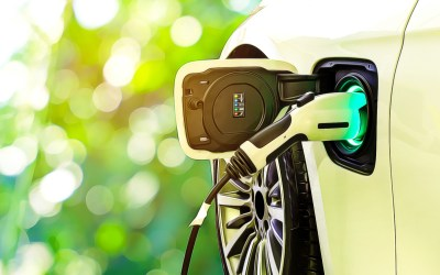 FPL gets backing on vehicle charging and small business plans