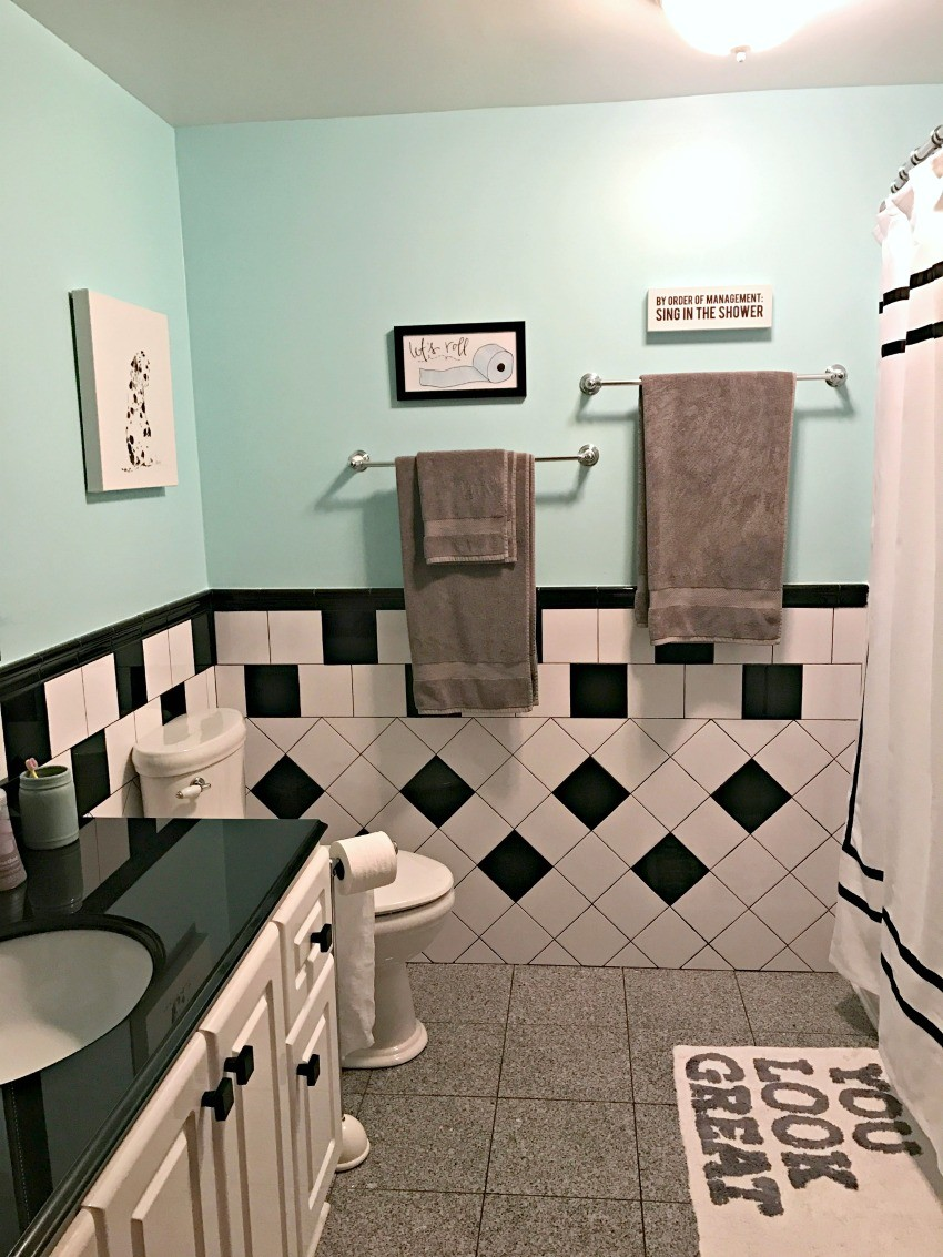 Retro Black White And Teal Bathroom Makeover On A Budget The Cards We Drew