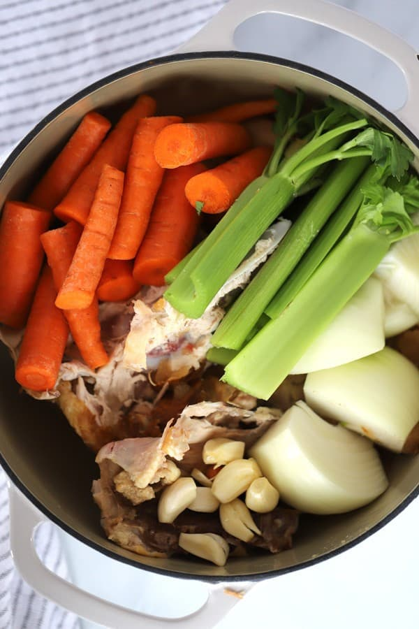 Homemade chicken stock thecarefreekitchen this chicken stock recipe is easy and delicious forumfinder Choice Image