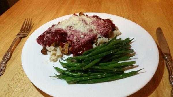 Pasta marinara with parmesan and side of green beans
