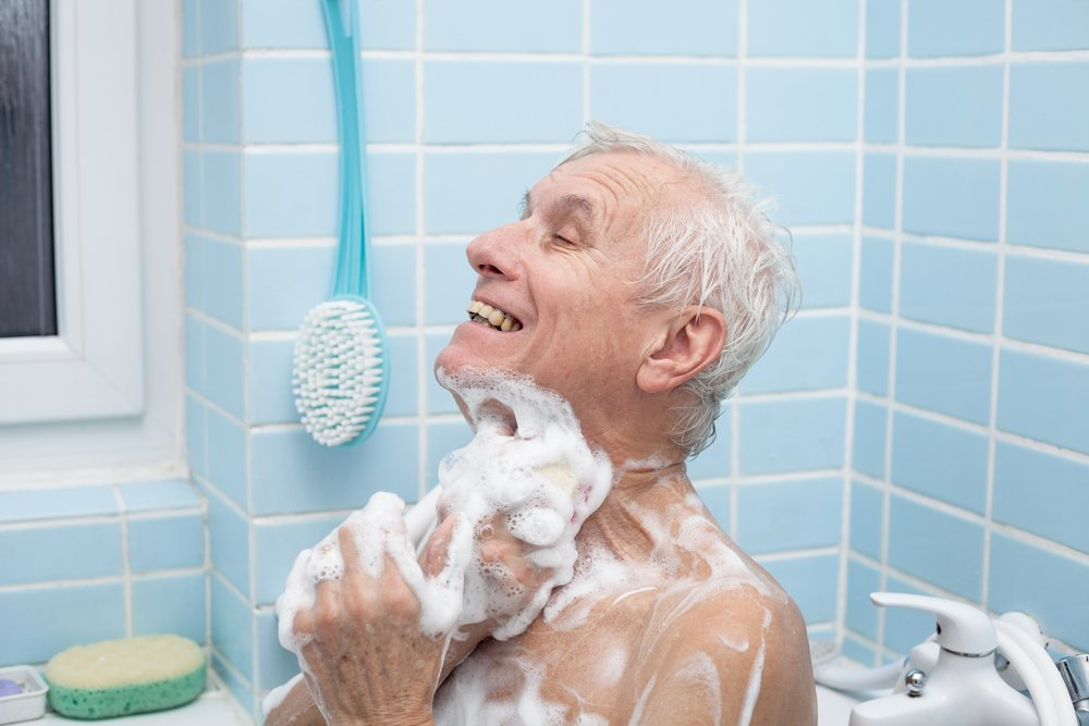 How to Help A Parent Who Refuses to Bathe or Shower