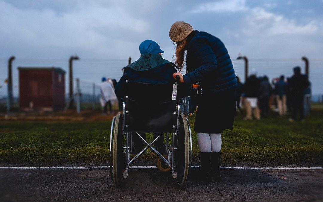 Paid Caregiving vs. Unpaid Caregiving: What You Should Know