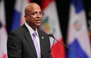 Belize's Prime Minister Dean Barrow gives a speech during the opening ceremony of the 5th Summit of the Americas at the Hyatt Regency in Port of Spain, Trinidad April 17, 2009.                 AFP PHOTO / THOMAS COEX