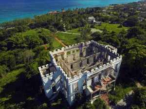 The once-luxurious Sam Lord's Castle will be restored and reopened for vacationers.