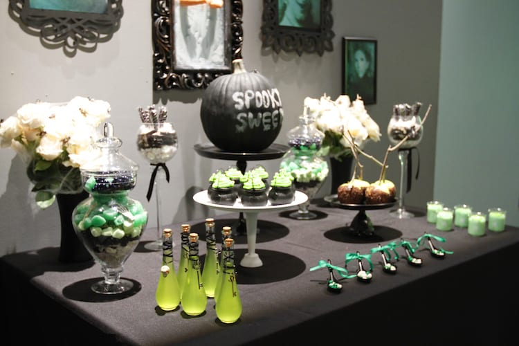 Halloween table setting that is both scary yet stylish
