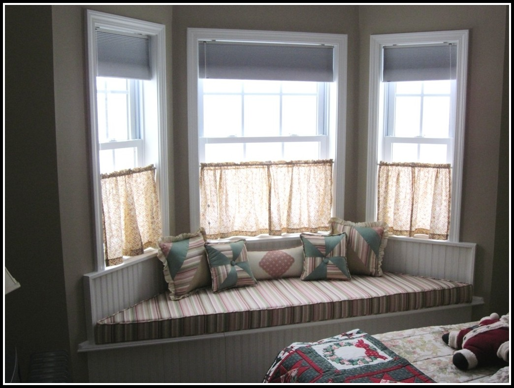 Bay Window Curtain Ideas For Bedroom