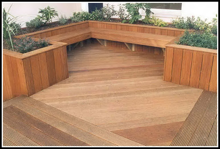 Cedar Decking Boards Uk