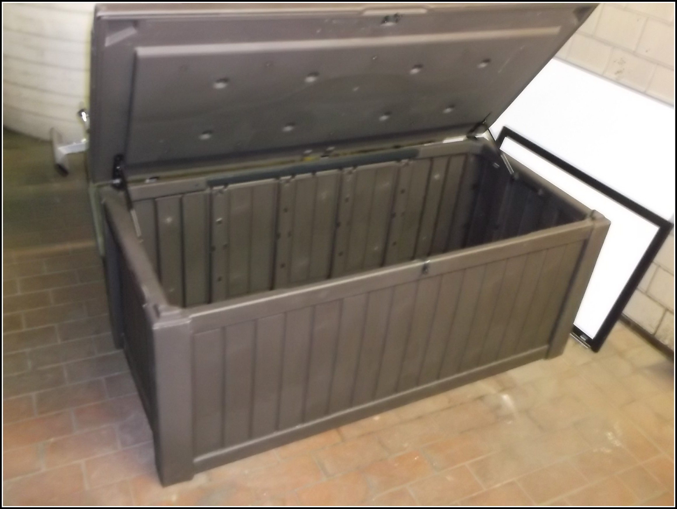 Keter Deck Box 150