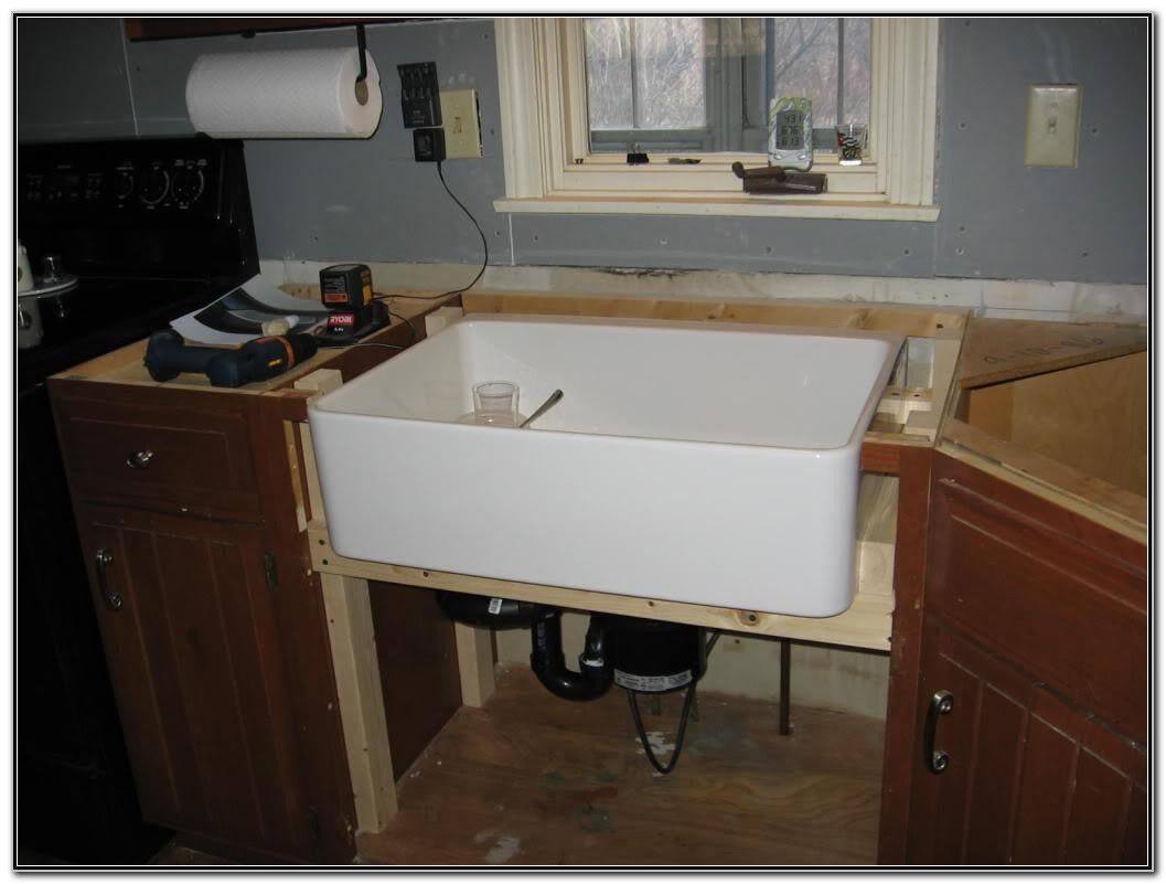 Apron Front Farmhouse Sink With Drainboard