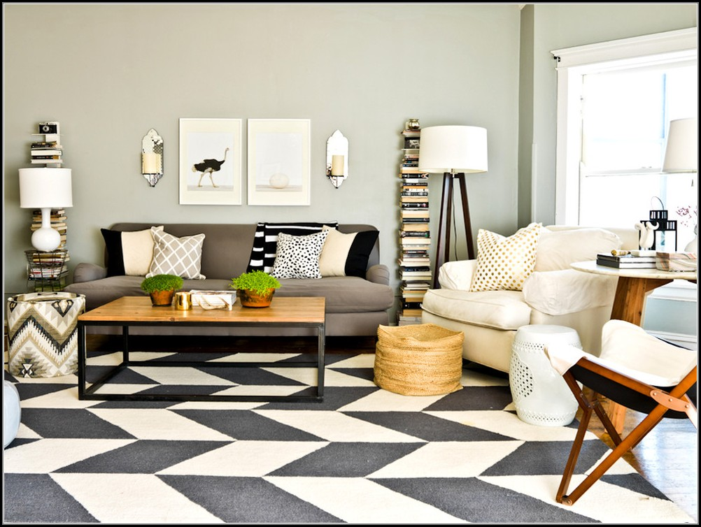 Black And White Chevron Rug 5x8