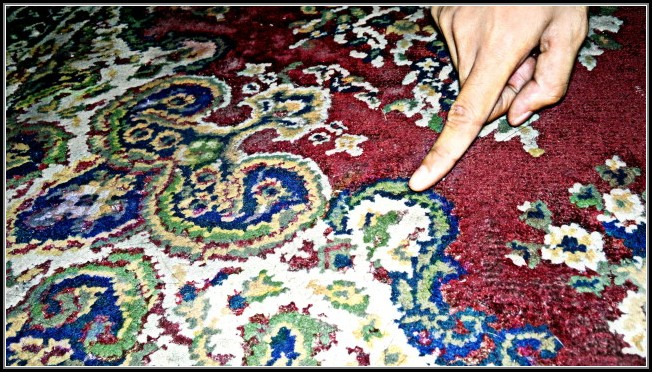 Cleaning Oriental Rugs With Baking Soda
