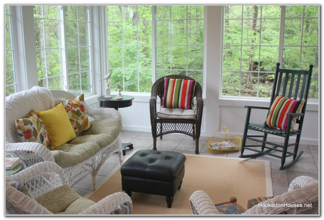 Decorating A Yellow Sunroom