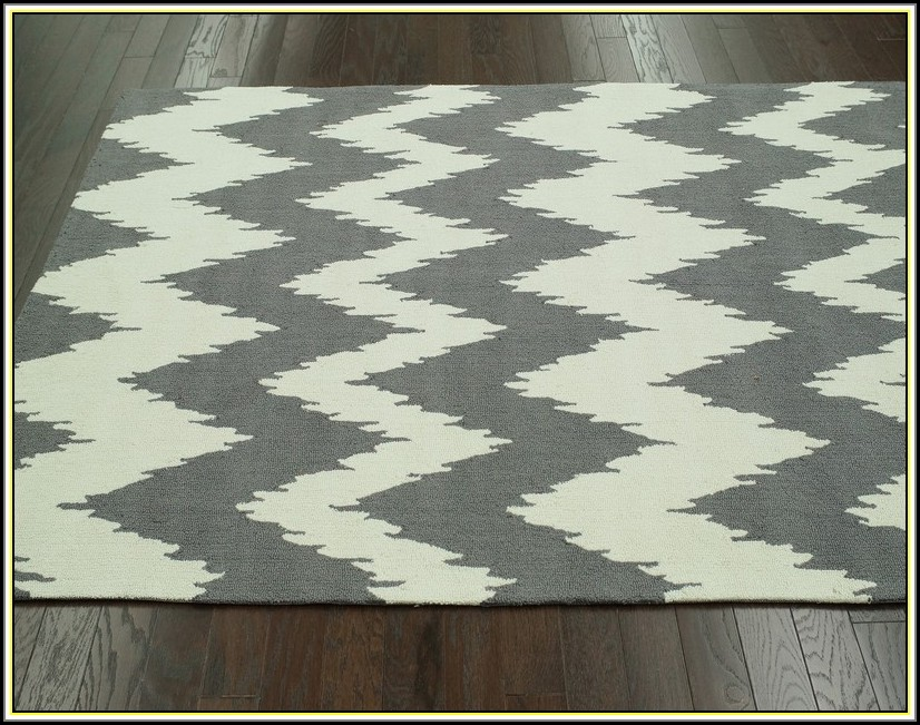Gray Chevron Area Rug