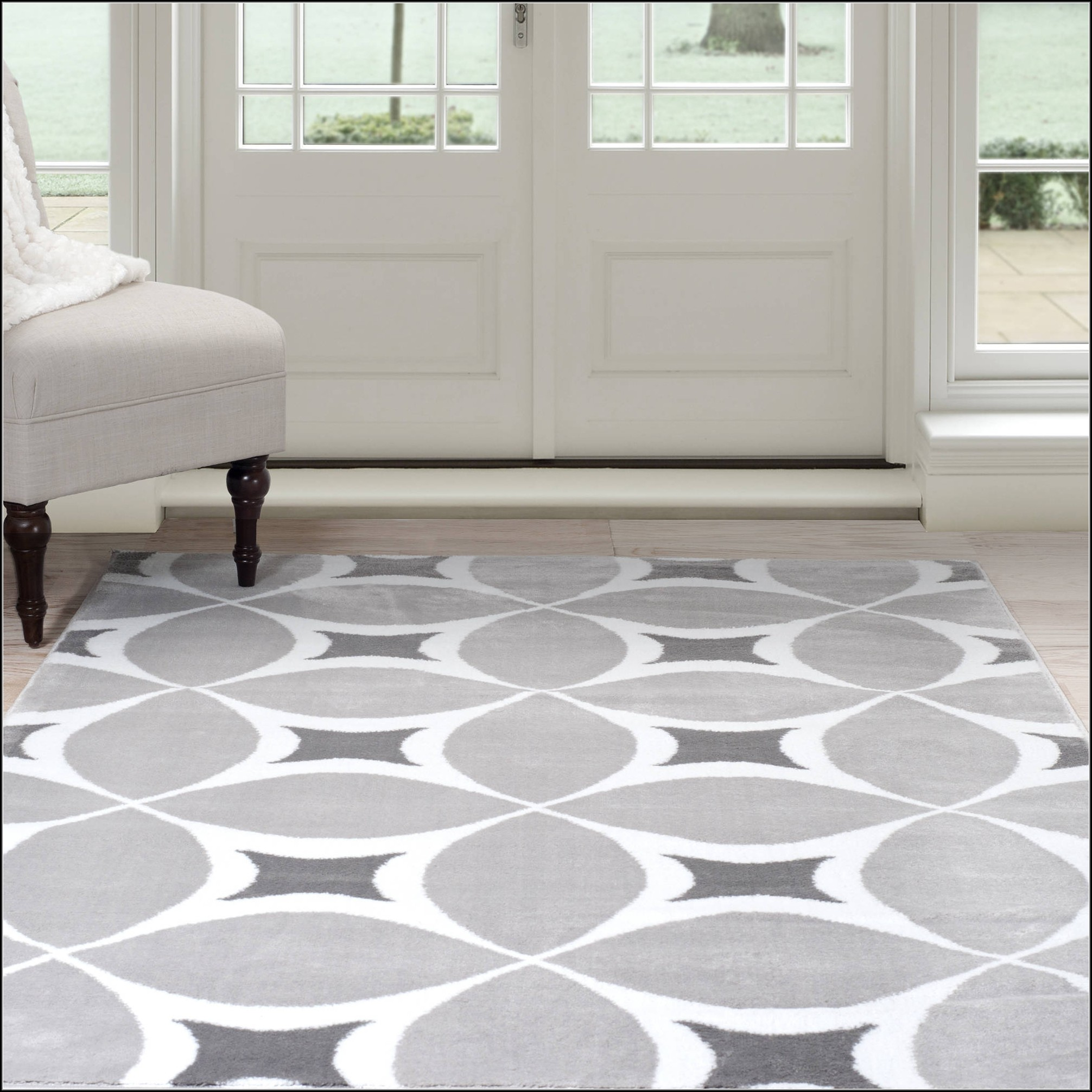 Grey White Geometric Rug