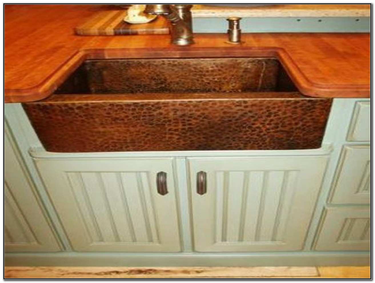 Hammered Copper Farmers Sink