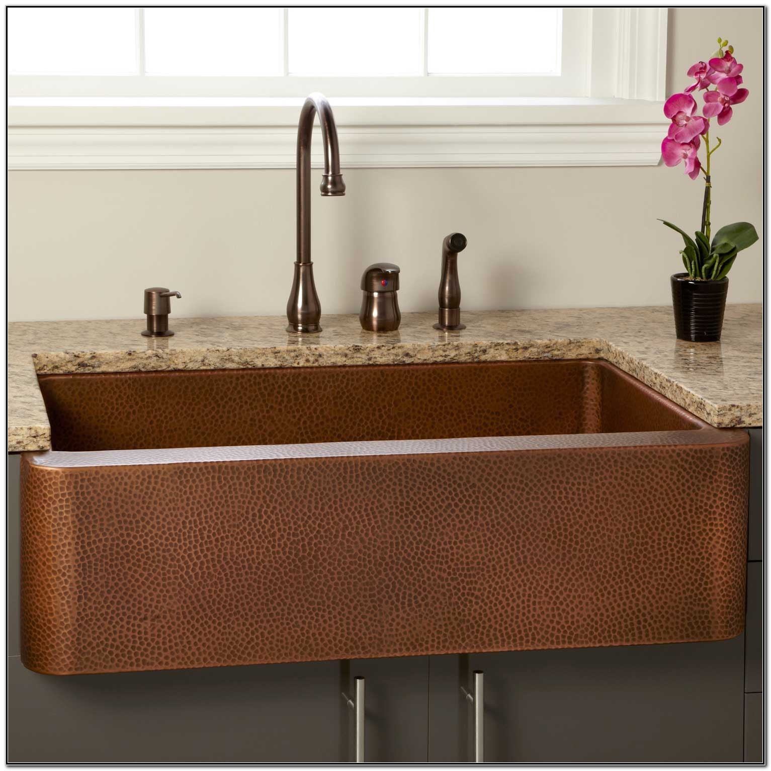 Hammered Copper Farmhouse Kitchen Sinks