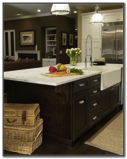 Kitchen Island With Farmhouse Sink