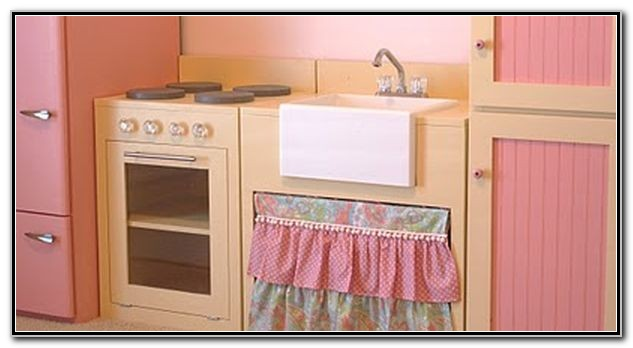 Play Kitchen With Farmhouse Sink