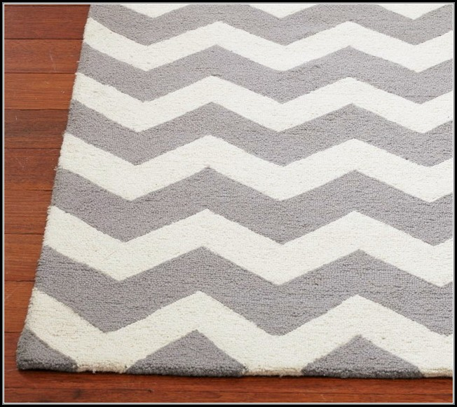 White And Grey Chevron Rug