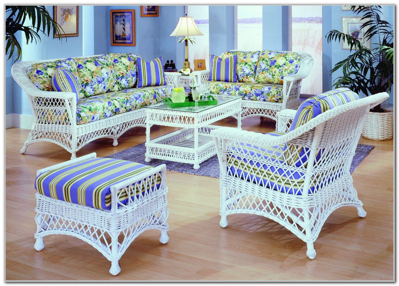 White Rattan Sunroom Furniture