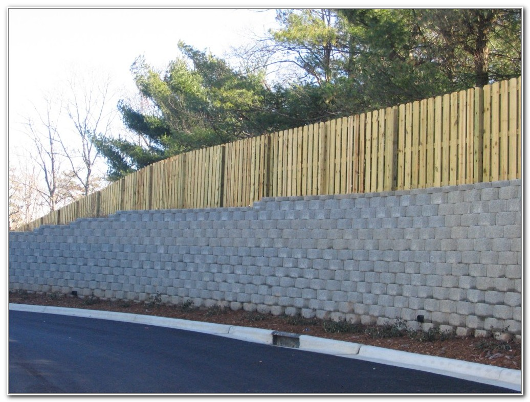Lattice Privacy Fence For Deck