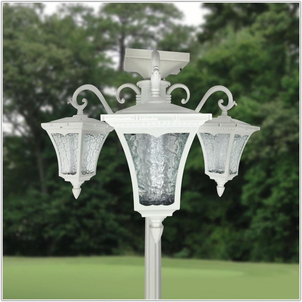 3 Light Solar Lamp Post