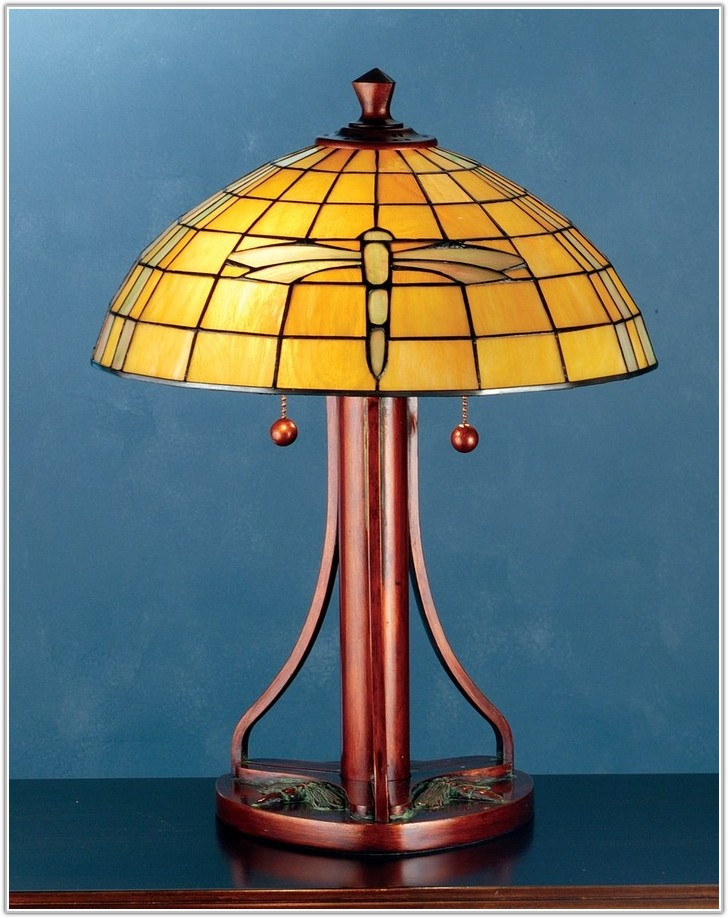 Arts And Crafts Tiffany Table Lamp