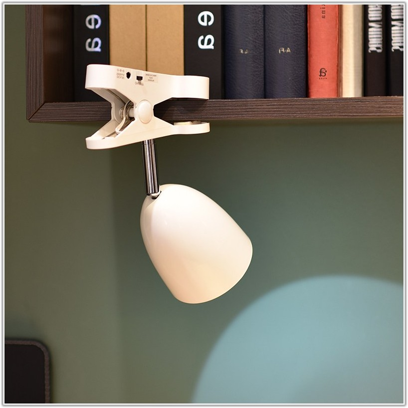 Battery Powered Clip On Lamp
