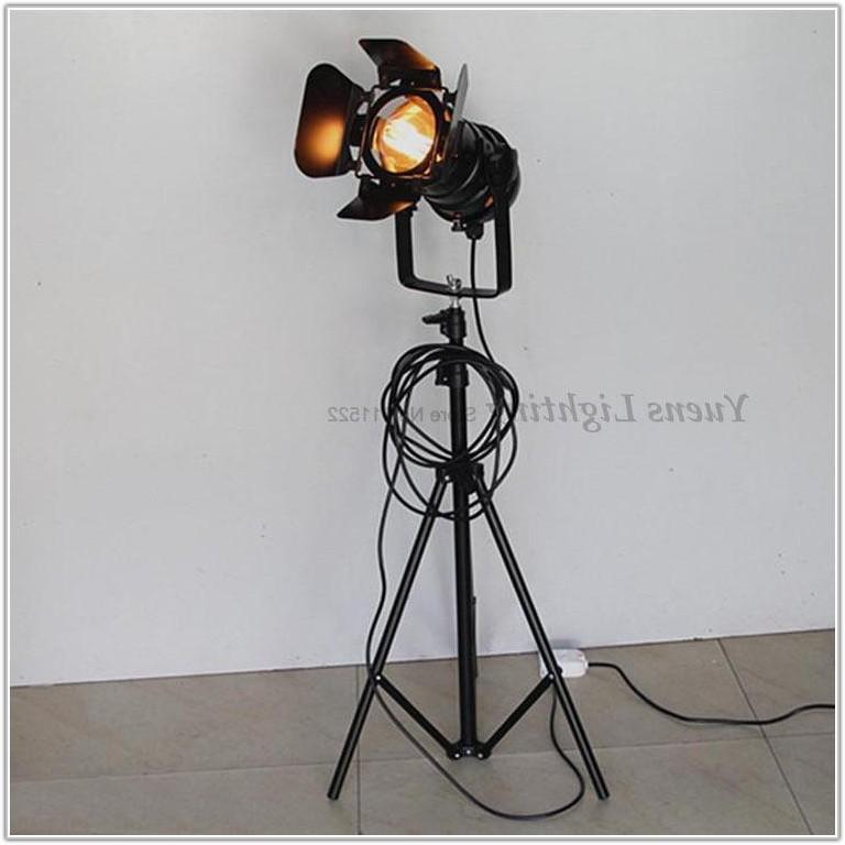 Living Retro Tripod Metal Floor Lamp Black
