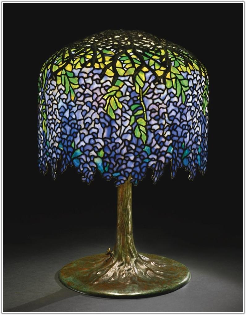 New York Tiffany Table Lamp