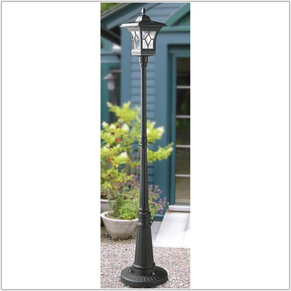 Outdoor Solar Powered Lamp Post
