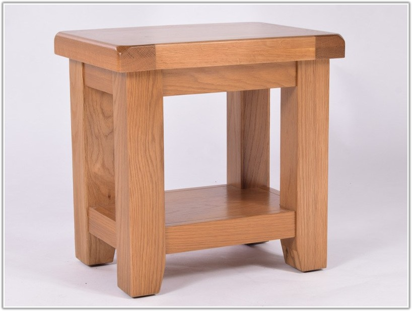 Small Solid Oak Lamp Table