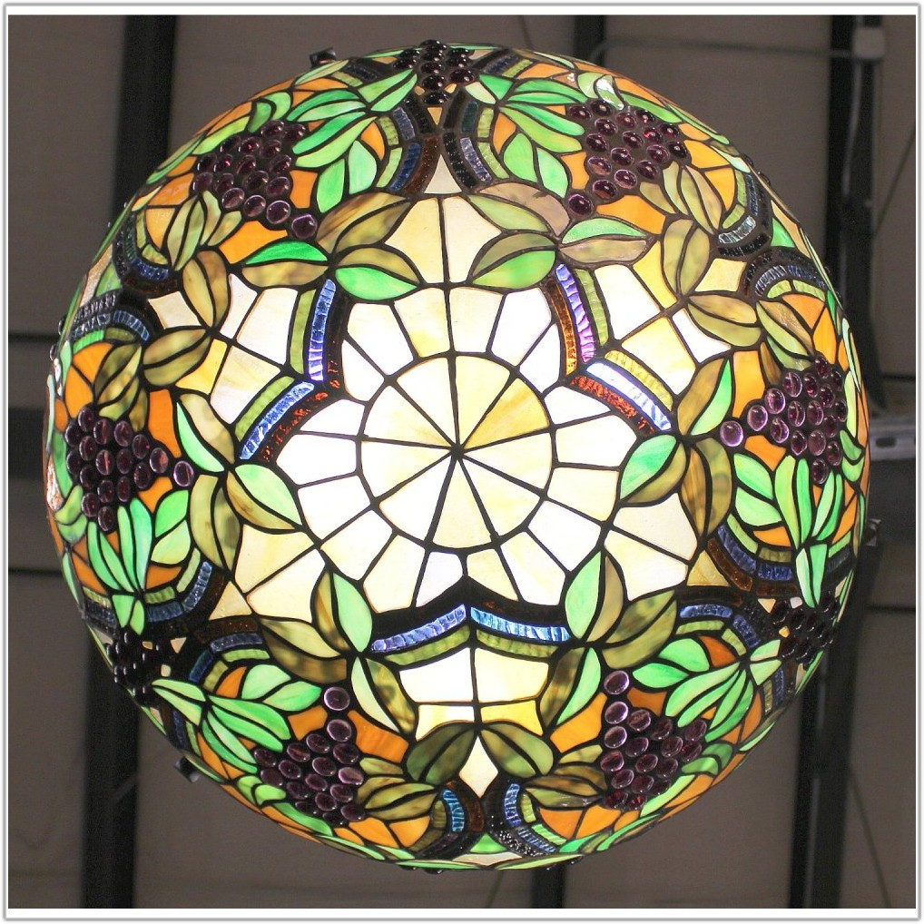 Tiffany Style Hanging Light Fixture