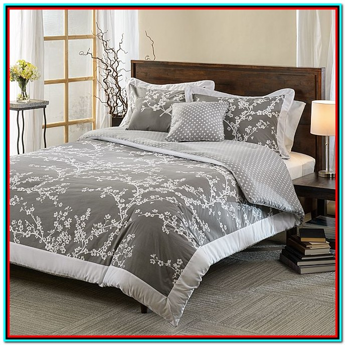 Grey And White Bedding Set