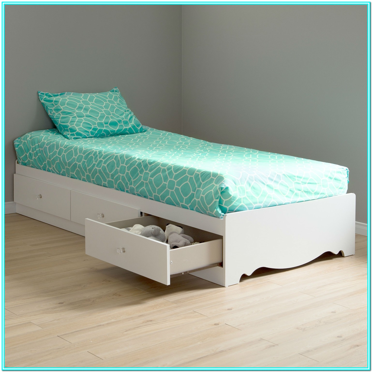 Twin Size Platform Bed With Drawers