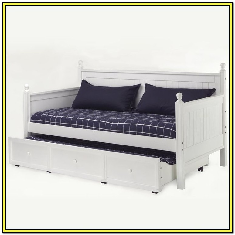 Versailles Daybed With Trundle And Mattresses