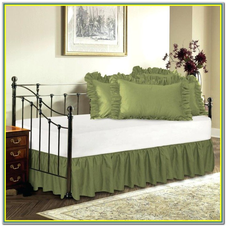 Split Corner Ruffle Bed Skirt