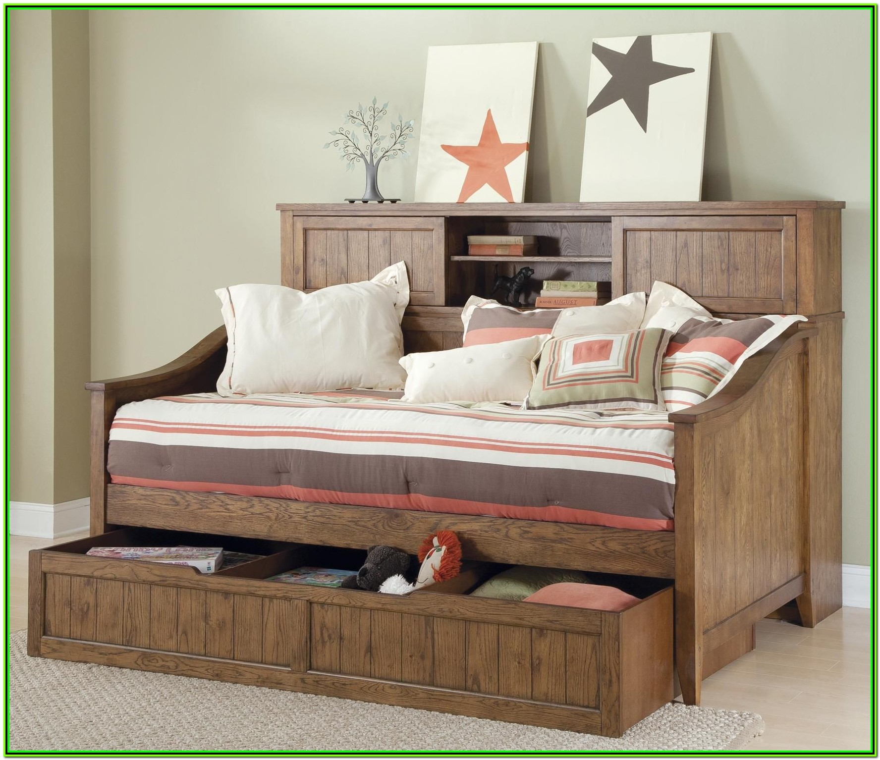 White Wood Full Size Daybed