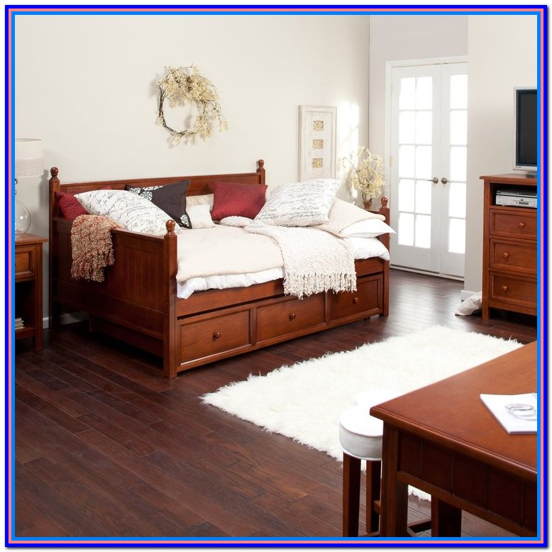 Rooms To Go Furniture Daybeds